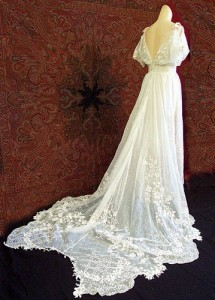 Antique wedding gown, on Her Wedding Planner.