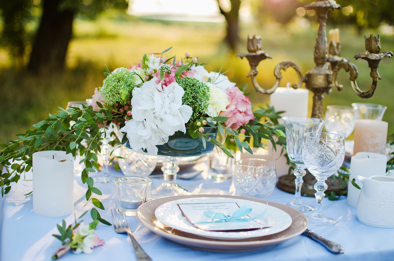6 money-saving tips for your wedding flowers