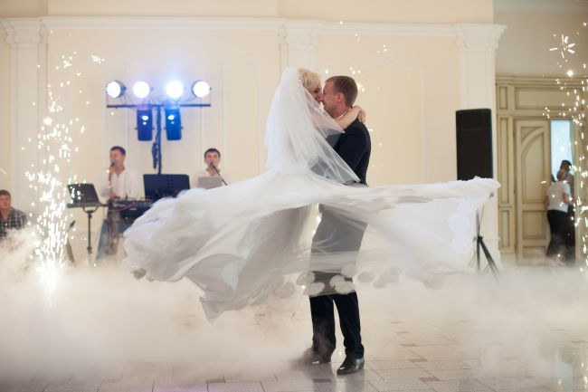4 wedding music mistakes no bride wants to make